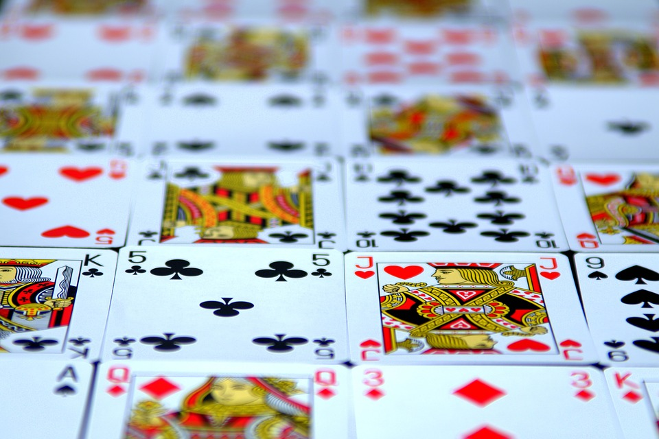 How to Properly and Effectively Save Your Bankroll when You Play Online Poker
